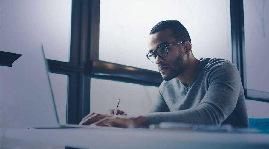Novos cursos gratuitos do FGV Online focam em marketing, finanças e consumo